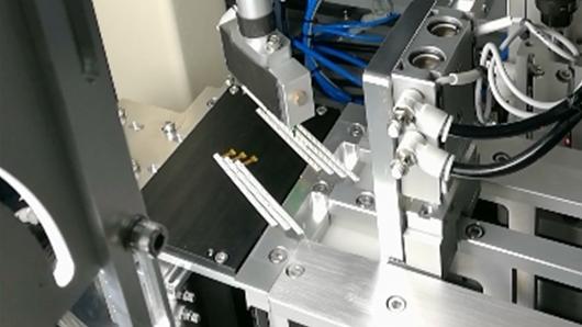德宏CCD引导3轴机械臂定位抓取